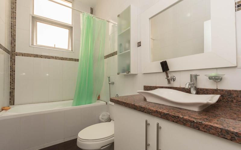 Guest Bathroom Manta, Ecuador Nikon D7500 by Lourdes Mendoza