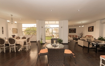 <p>Listed at only $944500 this home isn't going t…