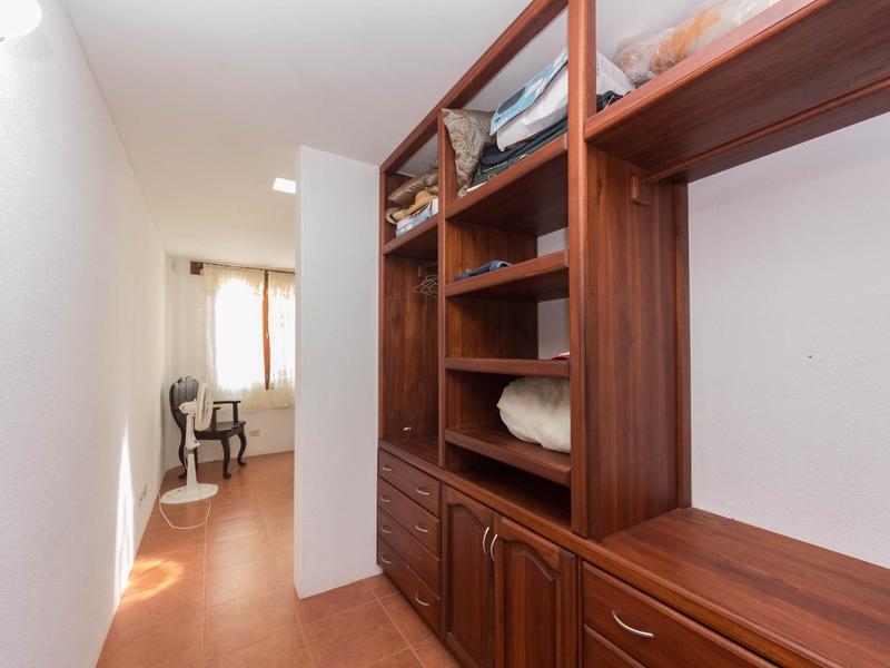 Guest Bedroom Closet Jama, Ecuador Nikon D7500 by Lourdes Mendoza